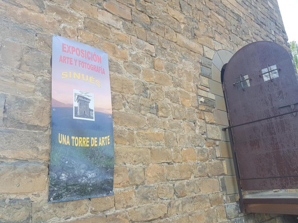 Exposición de arte y fotografía en el torreón de Sinués