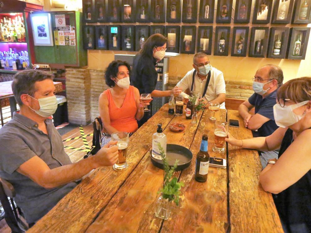 La hostelería resiste entre el azote de los rebrotes y cambios de medidas