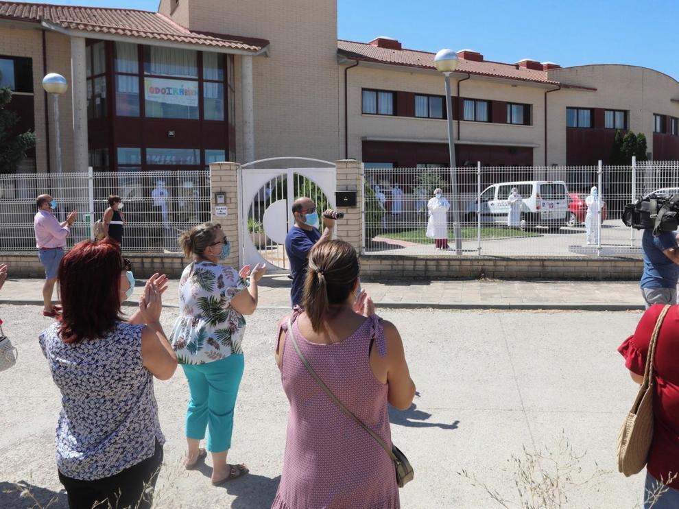 El pueblo de Chimillas muestra su apoyo a internos y plantilla de la residencia