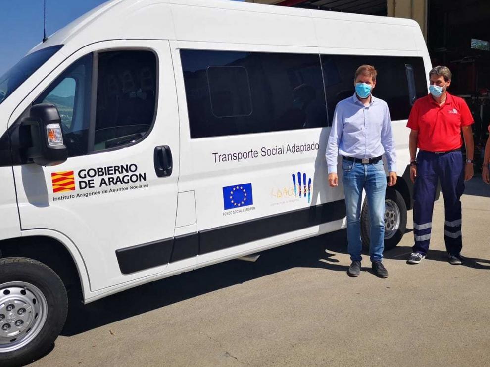 La comarca de Ribagorza renueva uno de sus vehículos de transporte social adaptado