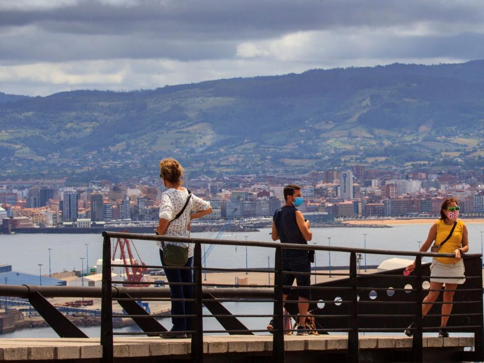 La llegada de turistas extranjeros a España cae un 97,7% en junio por el cierre de fronteras
