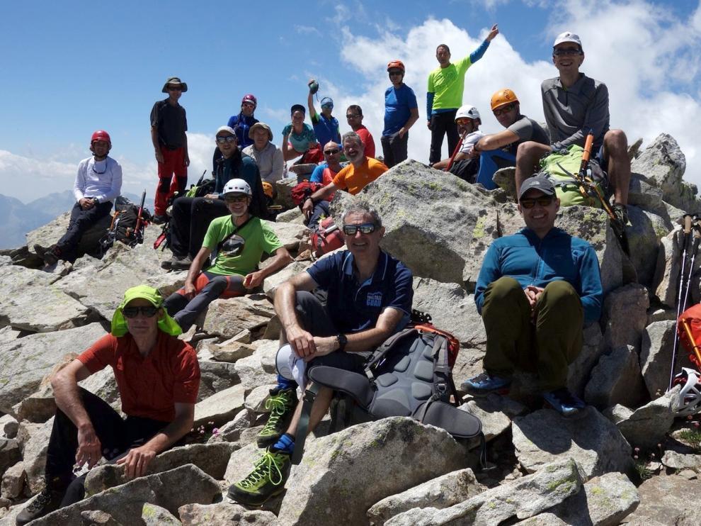 Travesía del pico Frondellas (3.071 m)