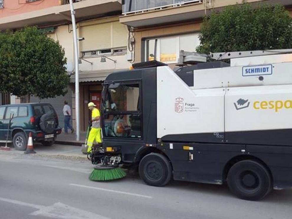 Fraga aprueba un pliego que aumenta los medios para la limpieza viaria