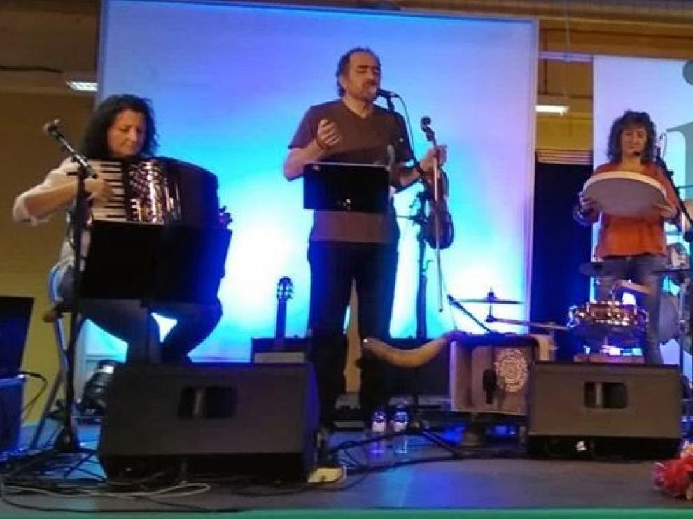 Folclore aragonés y música con aire gamberro en SoNna Huesca