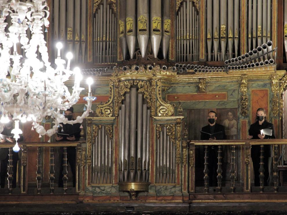 Solemne diálogo musical de órgano y gregoriano en Jaca