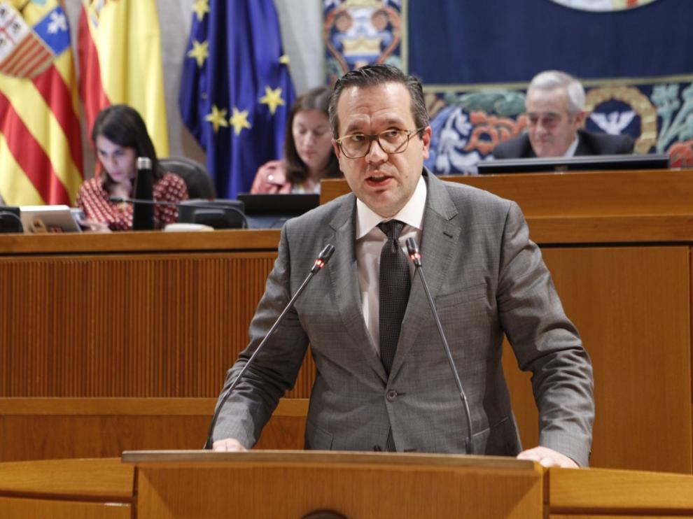 Ciudadanos pide la implicación del Gobierno aragonés ante la crisis de la escuela de pilotos de Huesca