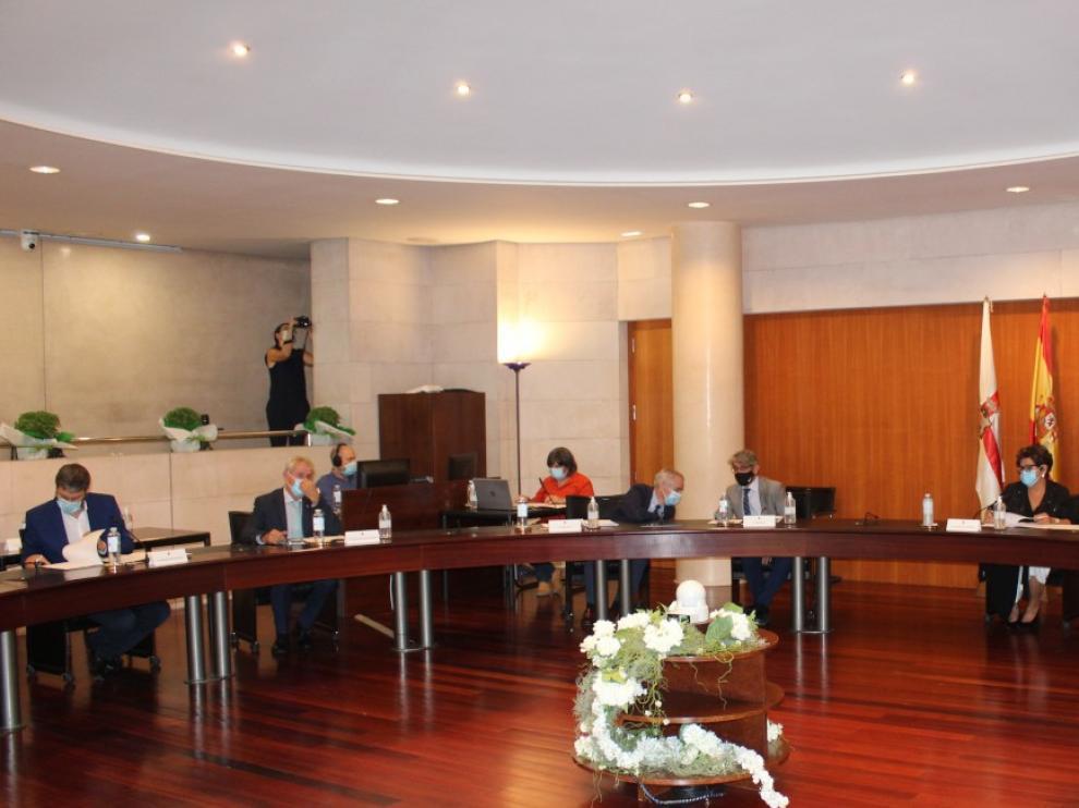 El pleno de la DPH pide rebajas tributarias para la provincia de Huesca
