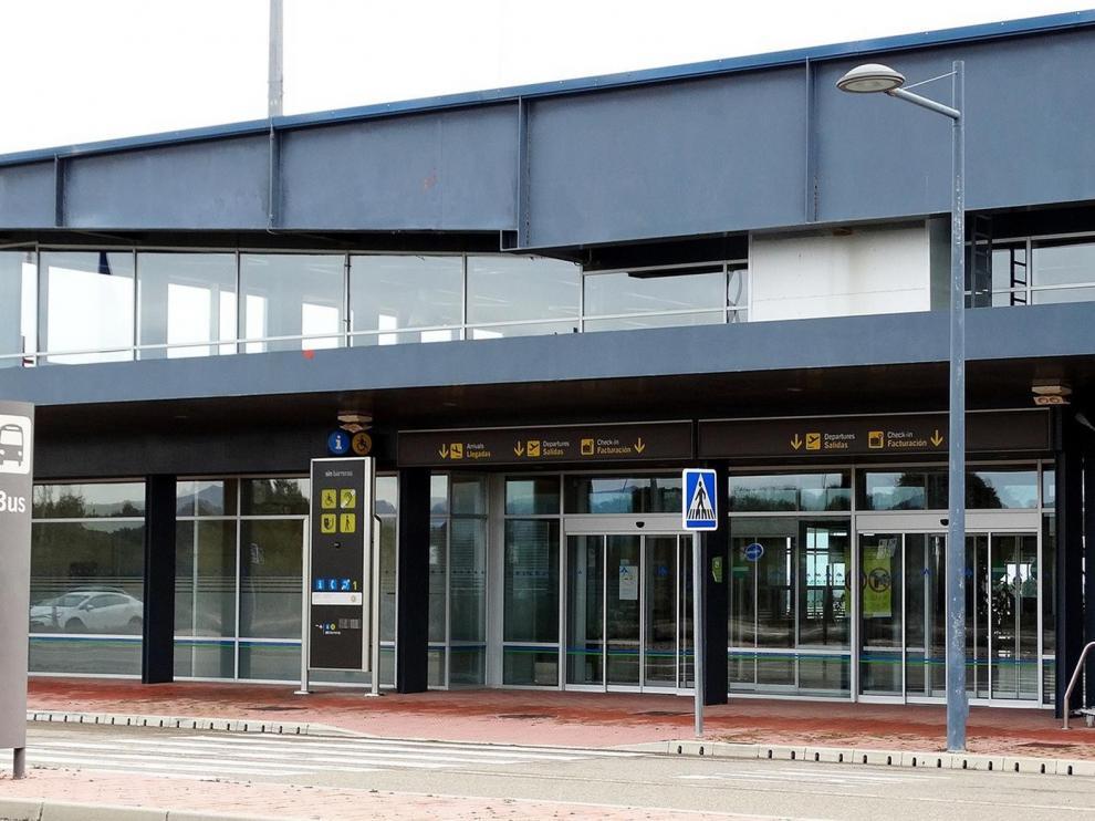 El Huesca no vuela desde el aeropuerto de la capital por falta de personal