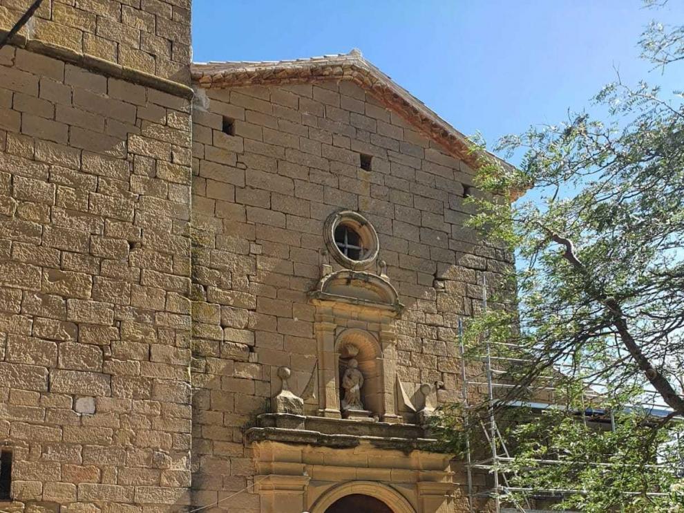 La mejora de la iglesia de Castilsabás se centra en bóvedas y fachadas