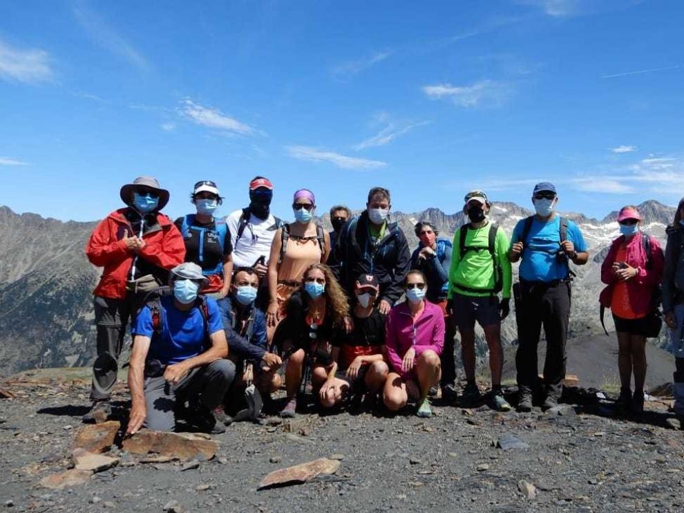 Montañeros de Aragón retoma la actividad subiendo el Estibafreda