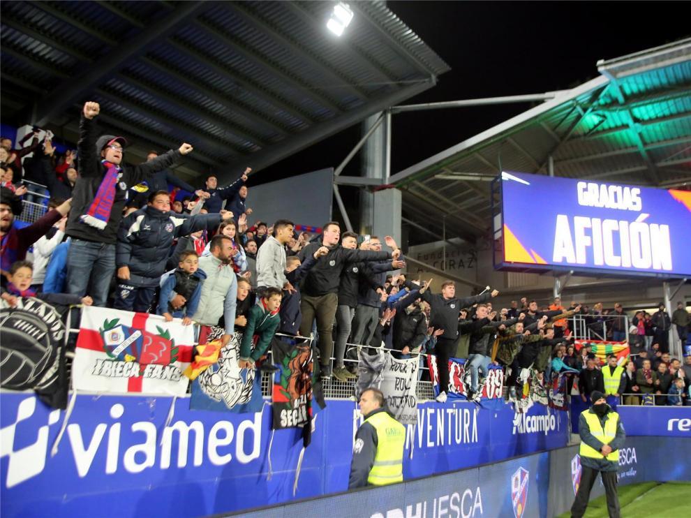 El Huesca abre el plazo a sus abonados para la compensación por los partidos a puerta cerrada