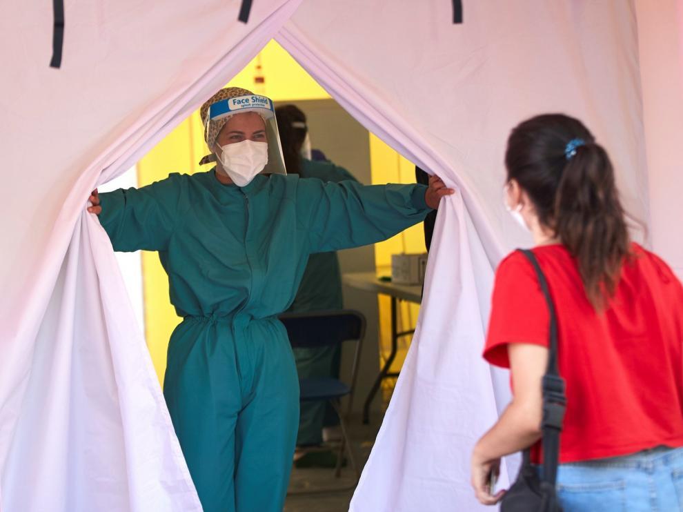 Sanidad registra un repunte de casos en España, 2.128 en las últimas 24 horas