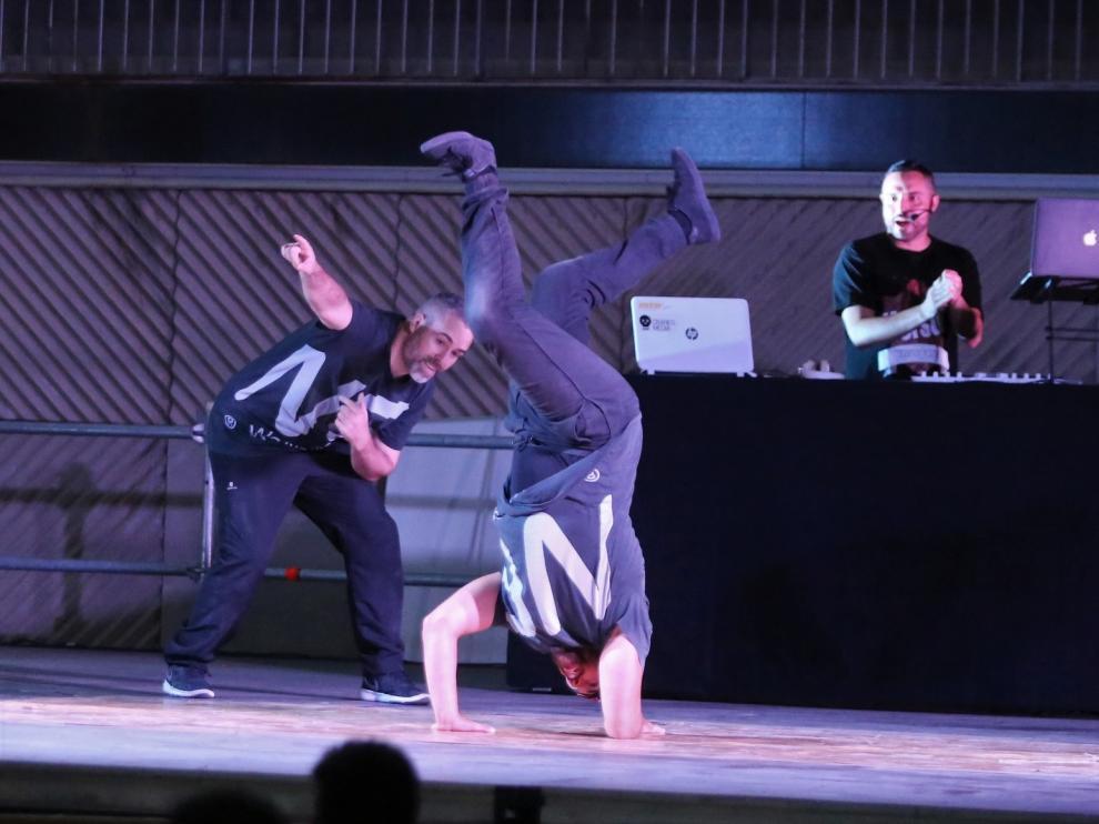 """Noche de viernes con """"breakdance"""" y """"freestyle"""" para el público más joven"""