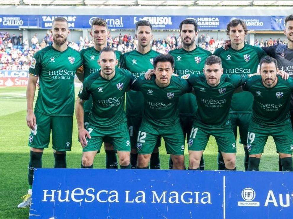El Huesca pone a la venta camisetas solidarias para la lucha contra el cáncer