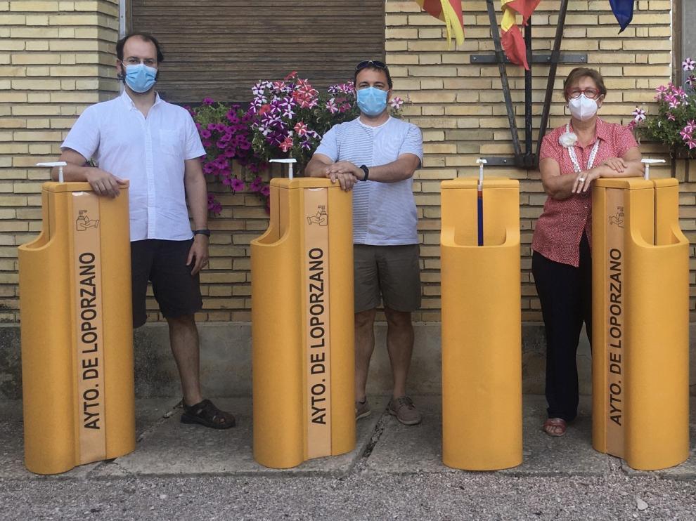 El Ayuntamiento de Loporzano distribuye dispensadores de hidrogel y mascarillas a los establecimientos y servicios básicos