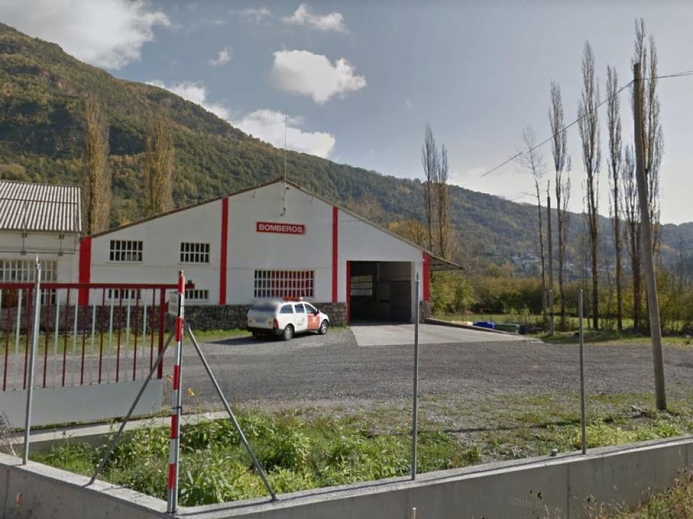 Un camión de bomberos de Villanova vuelca en la A-139