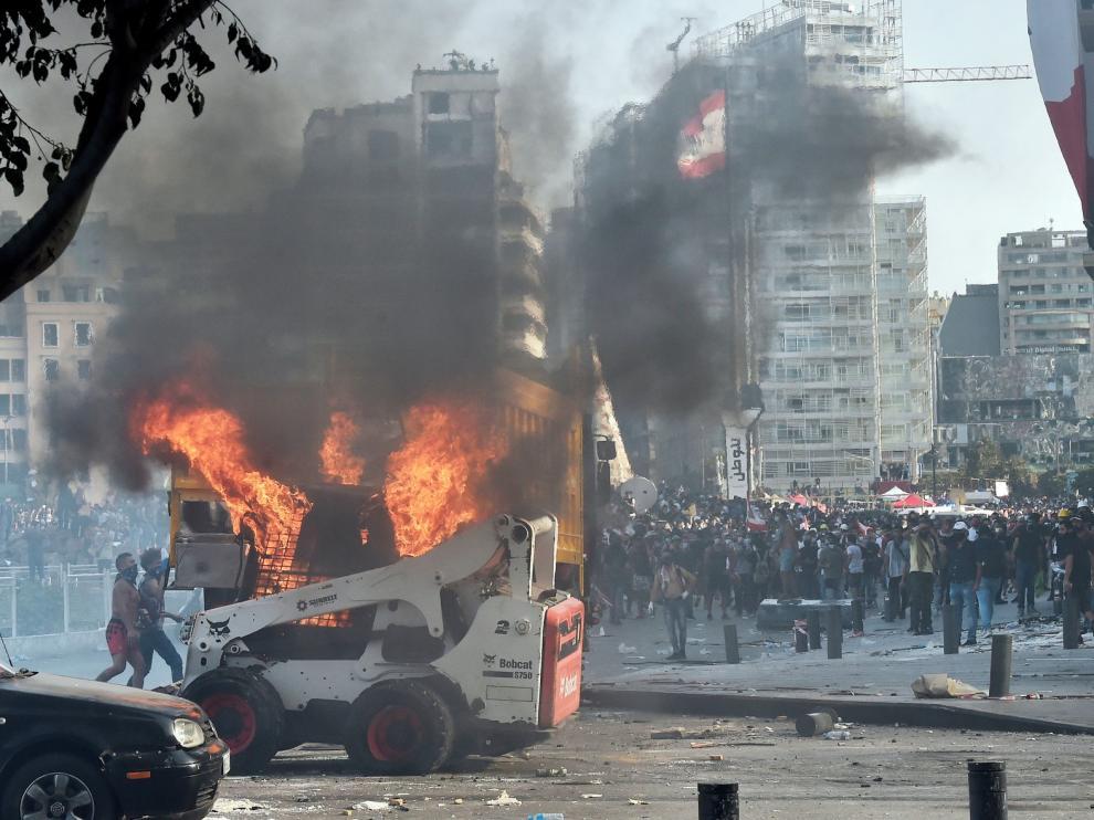 La violencia estalla en un Beirut indignado por la explosión