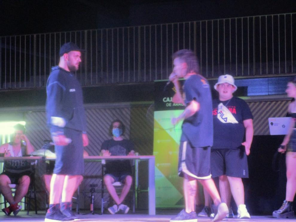 La cultura hip hop se instaló el viernes en el espacio exterior del Palacio de Congresos de Huesca