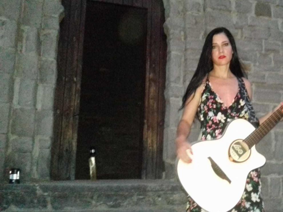 """Isabel Marco presenta en San Juan de Busa """"Nada será igual"""""""