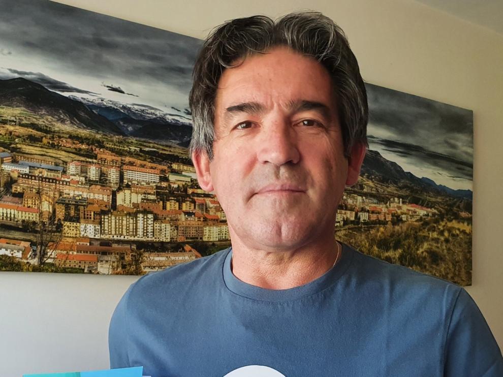 "Lorenzo Asín: ""Los concebí como un entretenimiento, para leer, soñar e imaginar"""