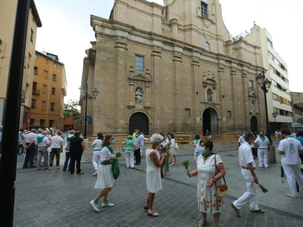 Los oscenses rinden homenaje a San Lorenzo con responsabilidad