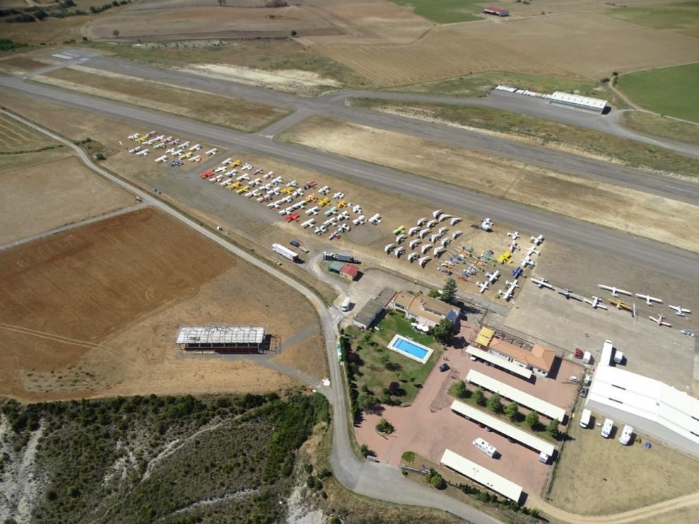 Una veintena de pilotos franceses se dan cita en Santa Cilia para sus vuelos