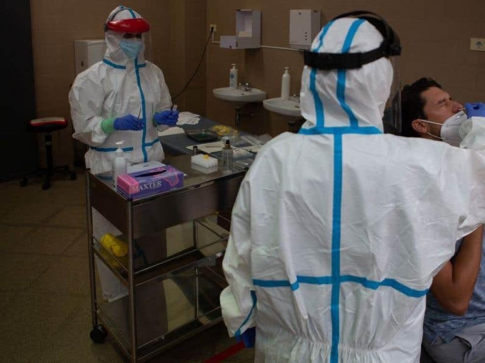 Aragón es la comunidad que más ha incrementado el número de pruebas realizadas en la última semana