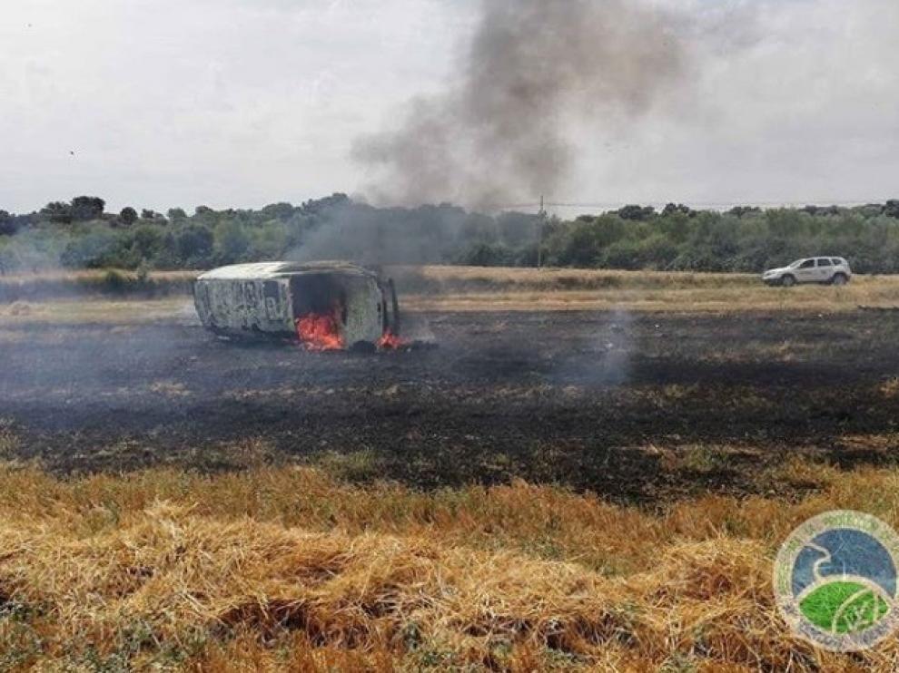 Un accidente de tráfico provoca un incendio en Peralta de La Sal