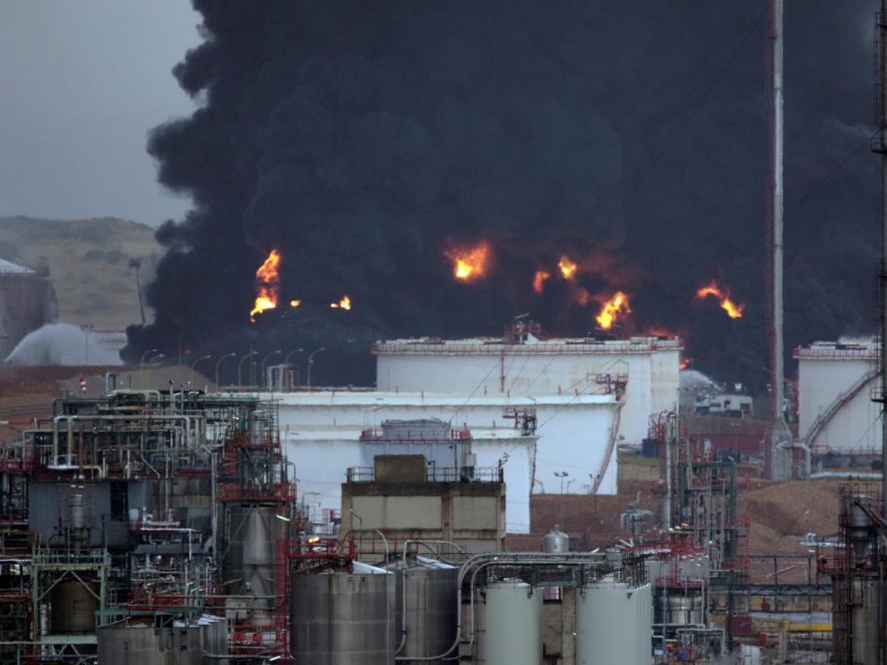 Alarma por un incendio en un complejo industrial de Repsol en Puertollano