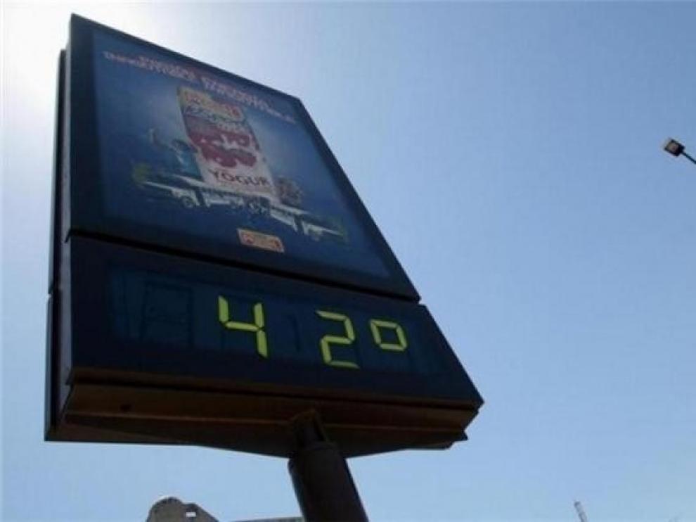 Las temperaturas ofrecen un respiro y descienden este miércoles en Aragón