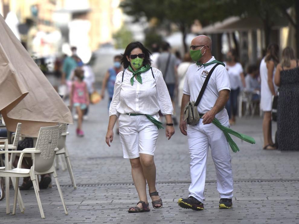 Una jornada de tranquilidad y menor afluencia de personas en Huesca