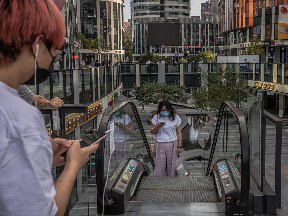 China permite el regreso de los residentes extranjeros