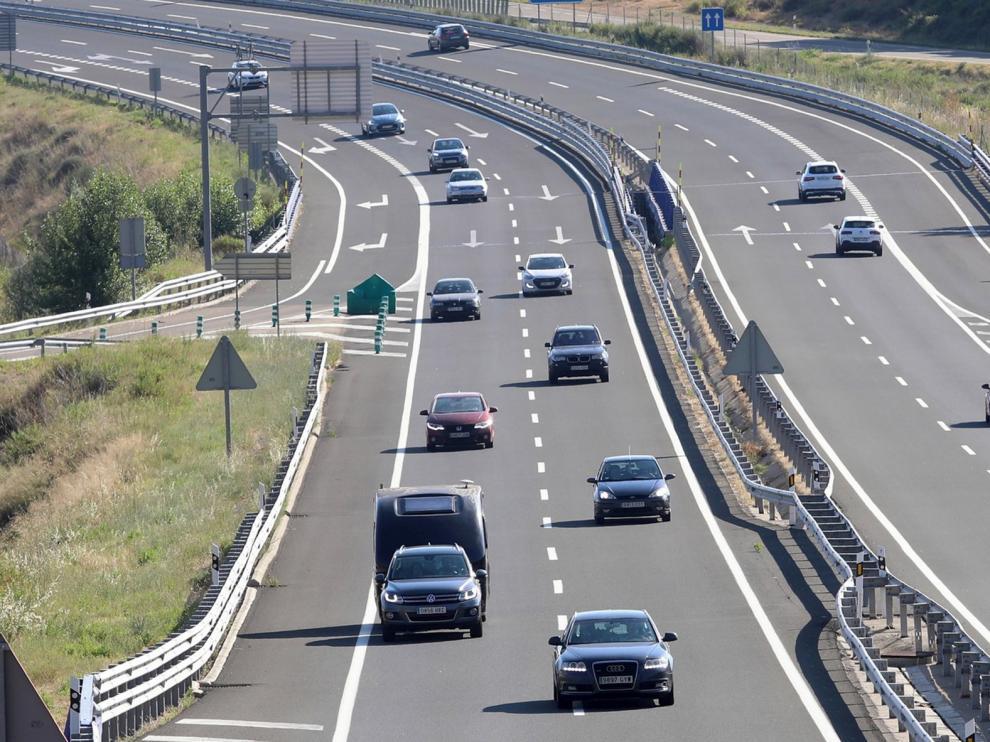 """El tráfico se concentra en los fines de semana de un """"verano atípico"""""""