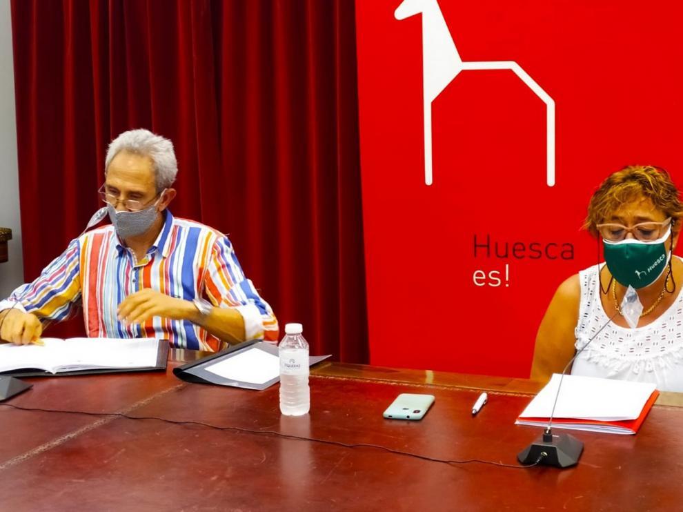"""Arranca la campaña """"Bonos Impulsa Huesca"""" para incentivar el consumo en la ciudad"""