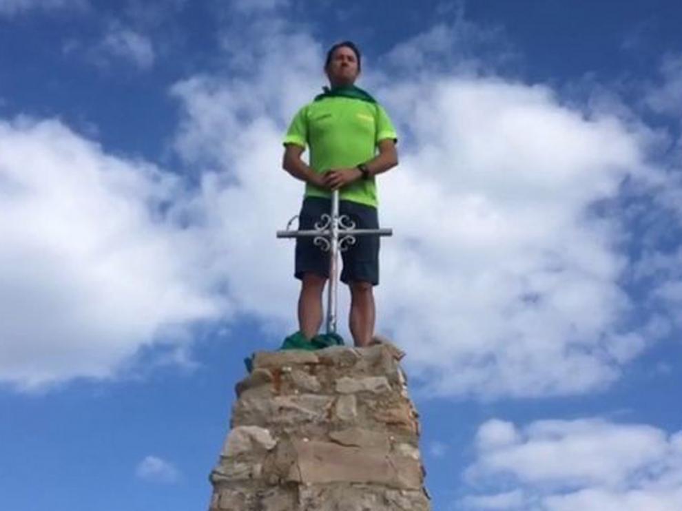 Roberto Ciria le canta a San Lorenzo en la punta de Guara