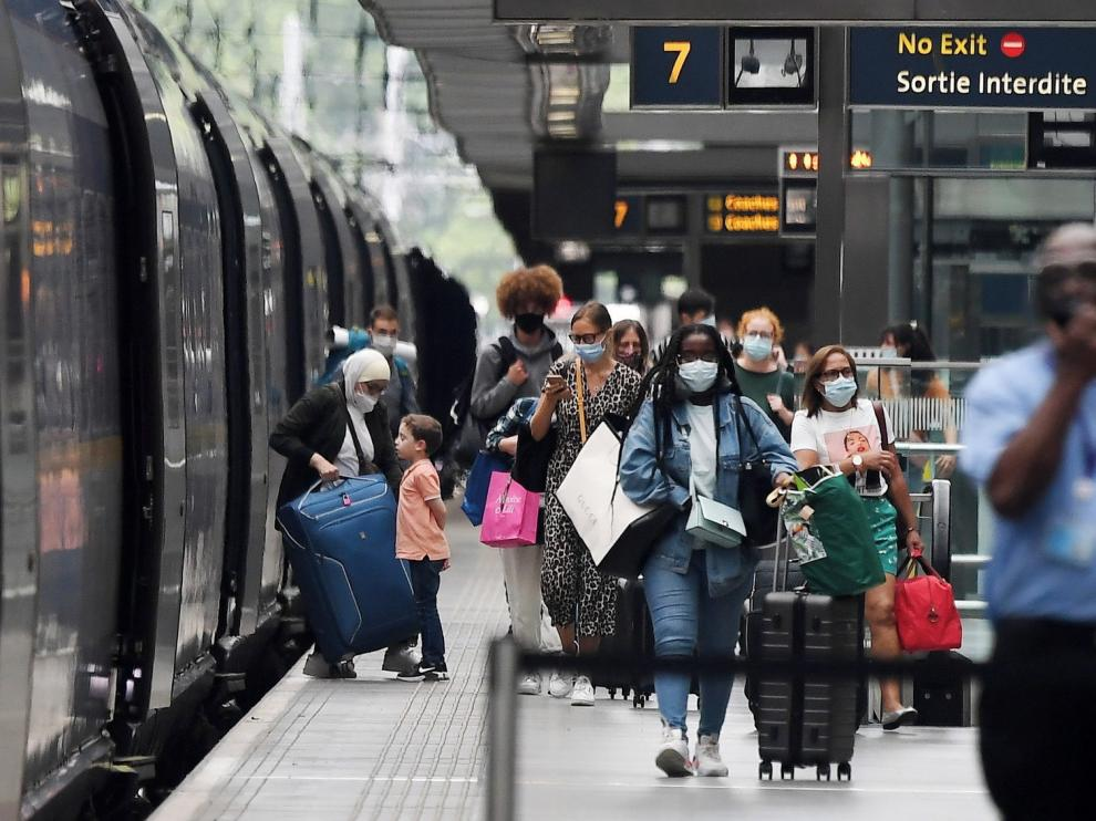 Masivo retorno de europeos a sus países por temor al contagio de coronavirus