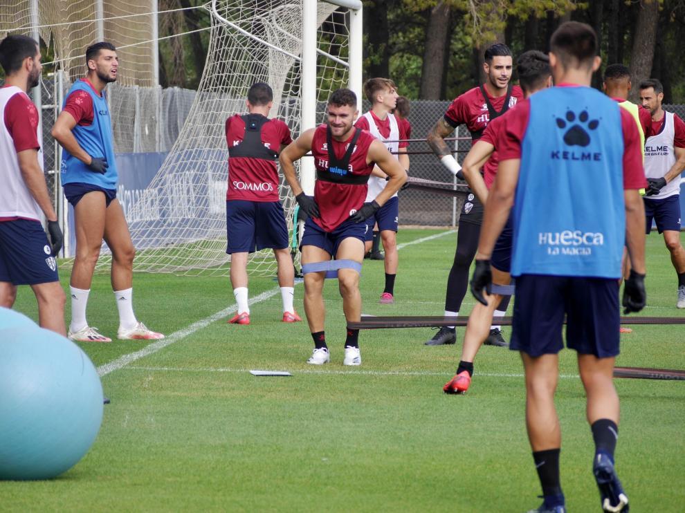 El Huesca gana efectivos en el inicio de pretemporada