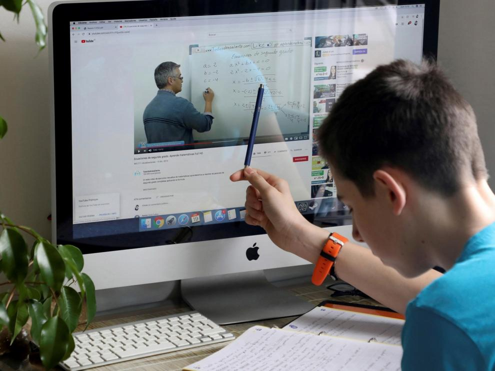 La educación online, la más barata para los padres