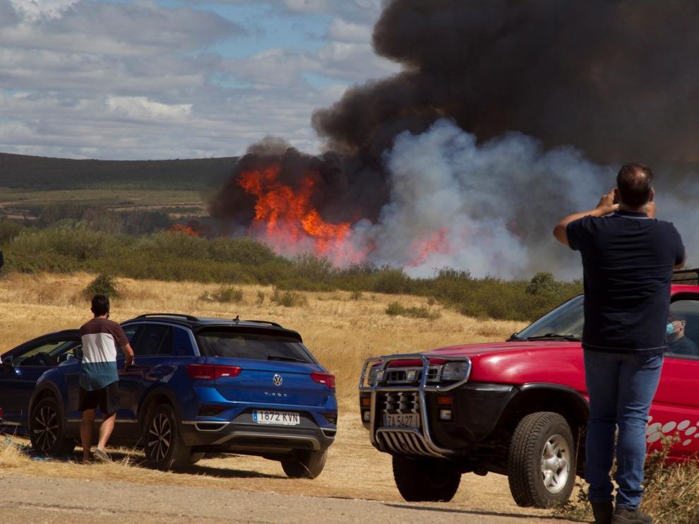 Un incendio en Lober (Zamora) carboniza más de 2.000 hectáreas