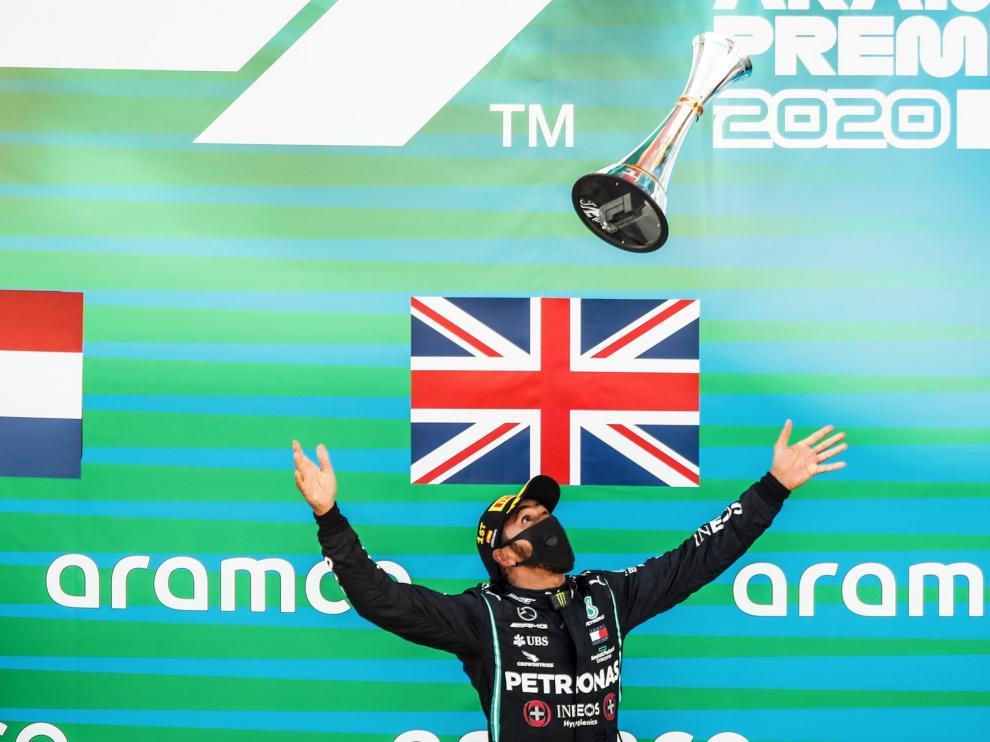 Hamilton sigue camino de otro título mundial