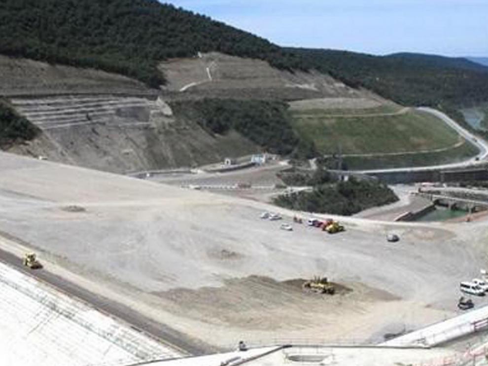 Unidas Podemos pide paralizar el recrecimiento de Yesa por falta de seguridad