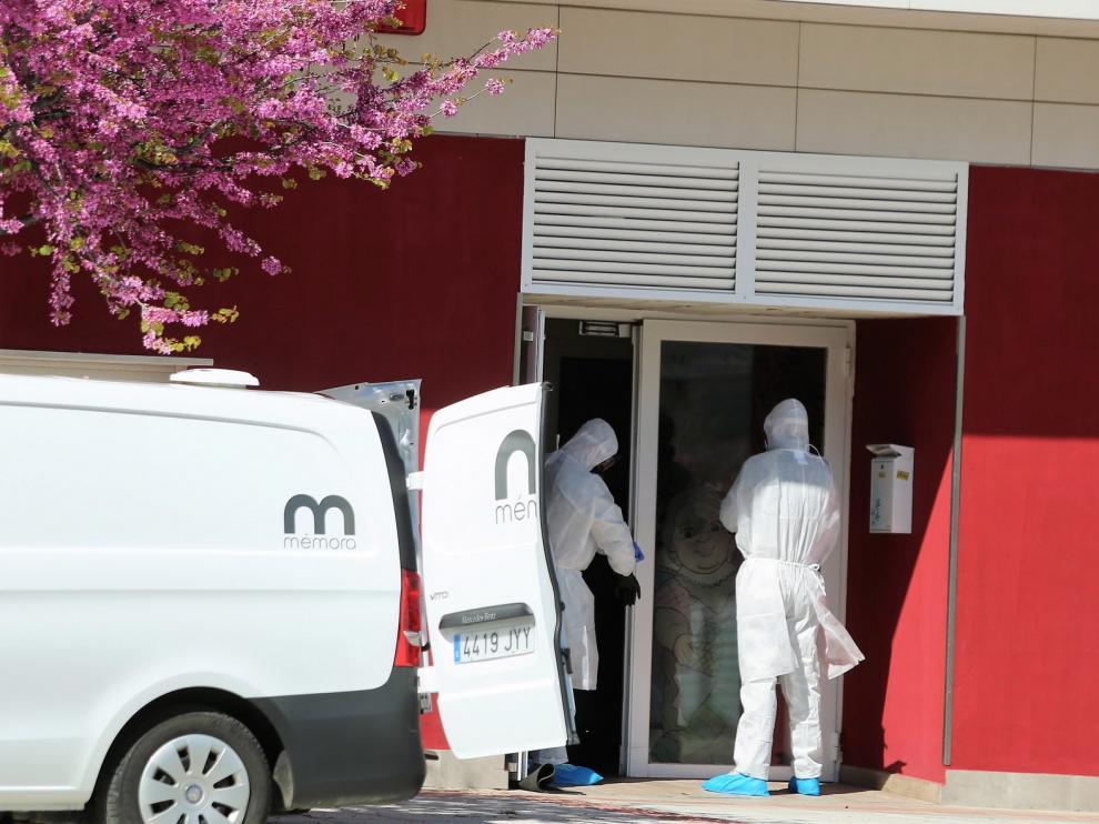 """Médicos sin Fronteras denuncia """"desamparo"""" de residencias ante la covid-19"""