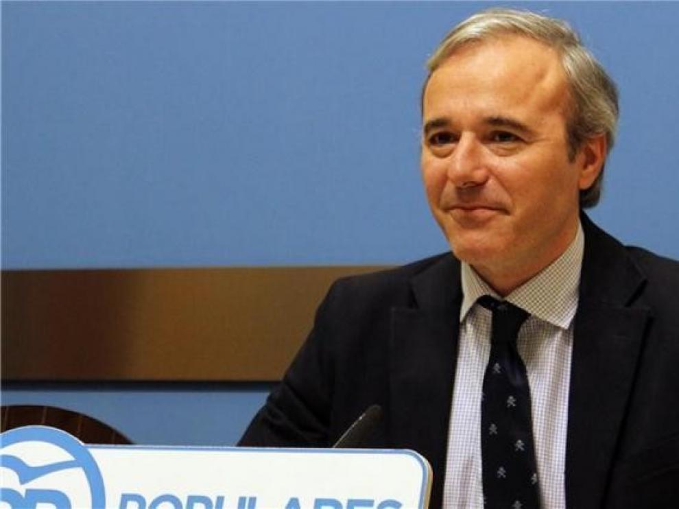 Azcón pide negociar el reparto del fondo de 5.000 millones