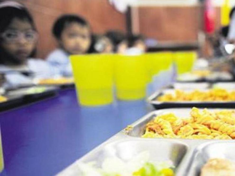 """Osta critica que se tome al personal de las cocinas escolares como """"trabajadores de segunda"""""""