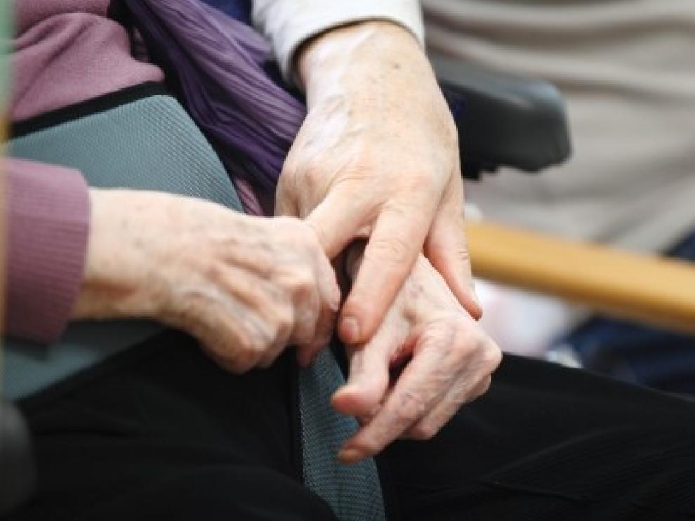 Grifols espera iniciar en 2021 su nuevo ensayo sobre el alzhéimer