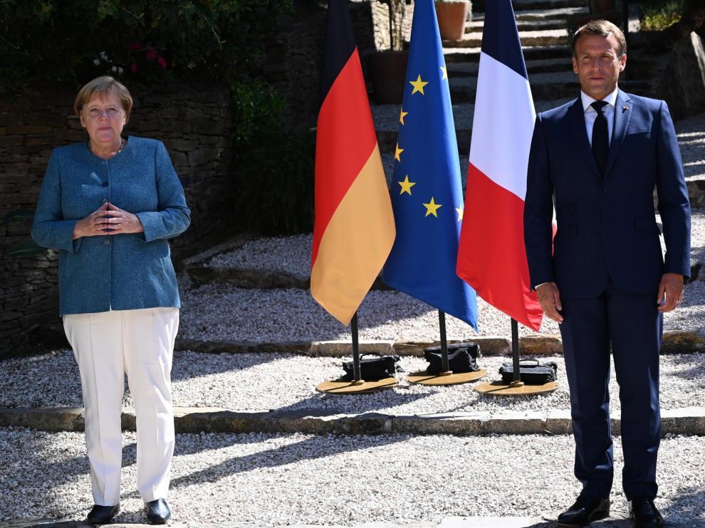 Macron y Merkel piden posturas comunes en la UE ante la pandemia