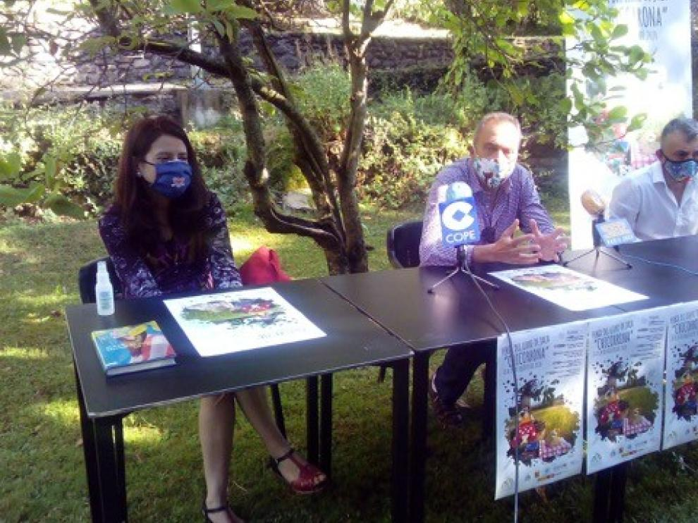 """Ana Merino y Manuel Vilas hacen grande a la """"Chicorrona"""" en Jaca"""
