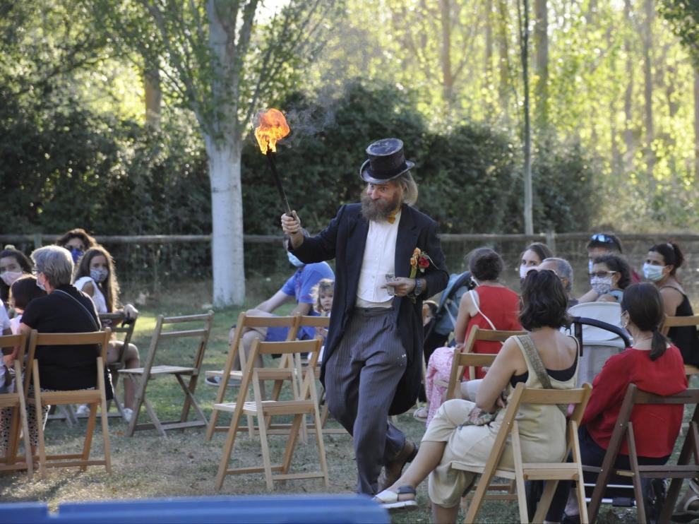 El Festival de Teatro de Calle arranca con fuerza en Santa Cilia