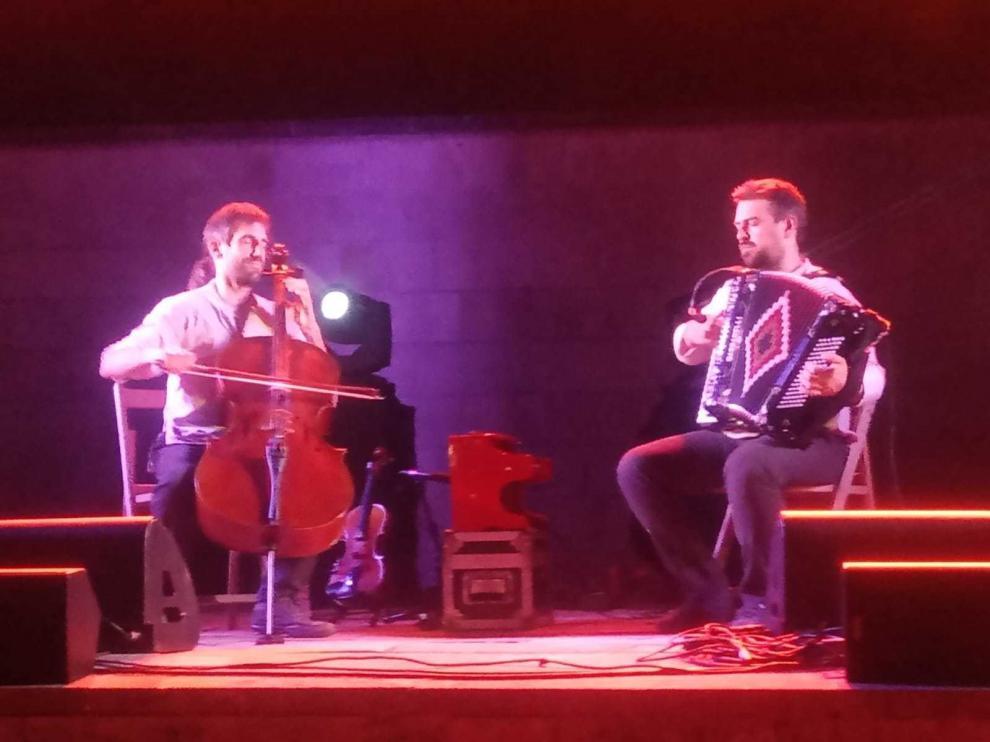Los dúos Tarta Relena y Vegetal Jam, en una versión reducida del festival iberi@huesca.folk