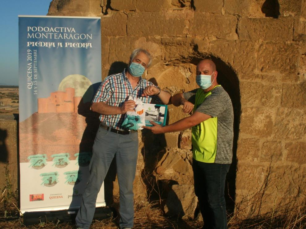 José María Fuixench recibe el premio del concurso de fotografía Podoactiva Montearagón Piedra a Piedra